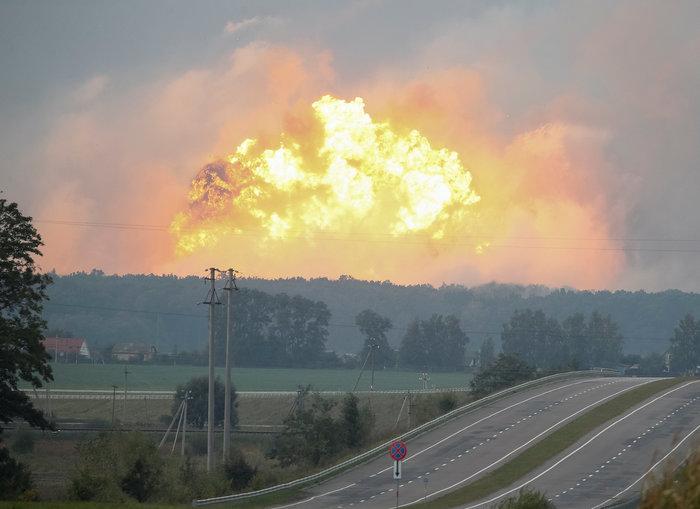 Έκρηξη σε στρατιωτική βάση στην Ουκρανία - Απομακρύνθηκαν 24.000 άνθρωποι - εικόνα 4