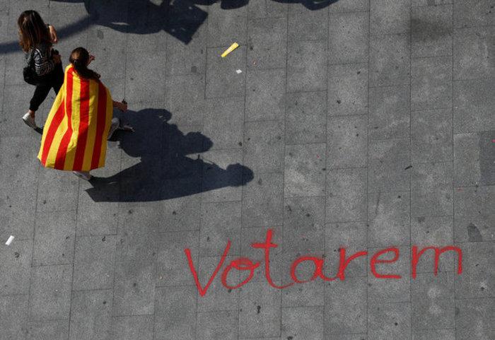 Χιλιάδες φοιτητές στους δρόμους της Βαρκελώνης υπέρ του δημοψηφίσματος ΦΩΤΟ - εικόνα 9