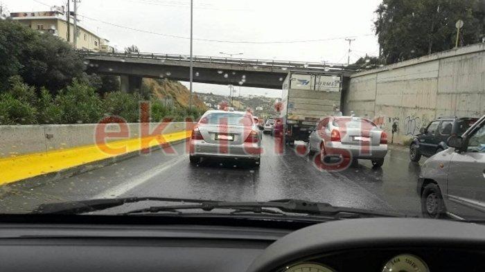 Mπαράζ τροχαίων ατυχημάτων στην Κρήτη – Εικόνες και βίντεο - εικόνα 2