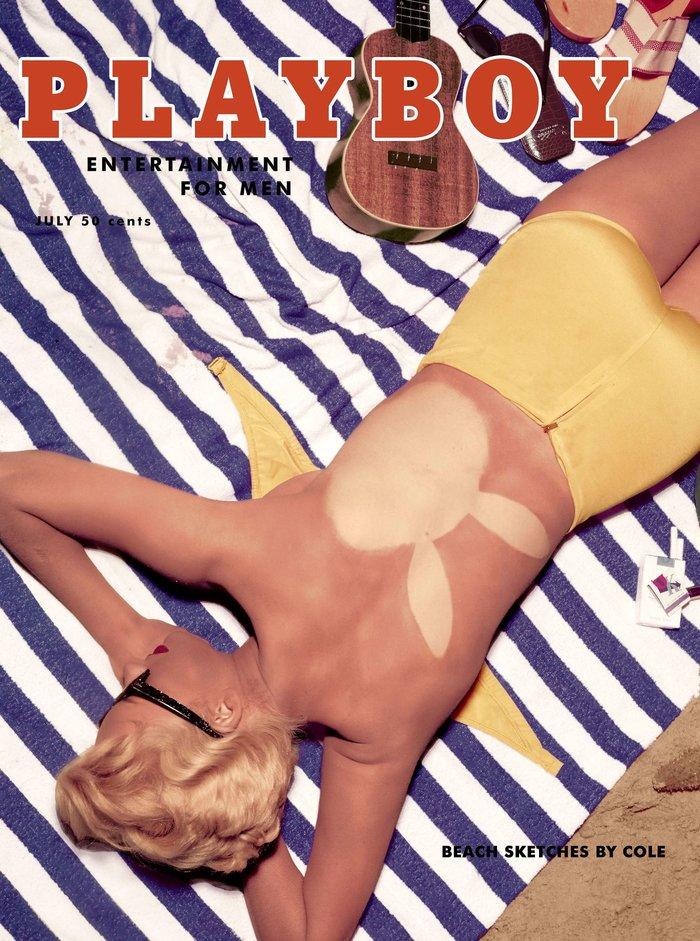Ιούλιος 1955: Το μπικίνι στο εξώφυλλο. Το μοντέλο είναι η Janet Pilgrim, Playmate του μήνα