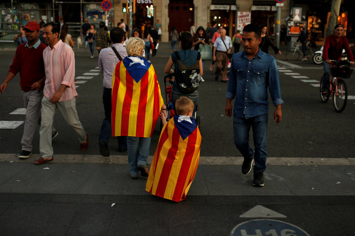 Πρωτοφανής ένταση για το δημοψήφισμα στην Καταλονία - εικόνα 2