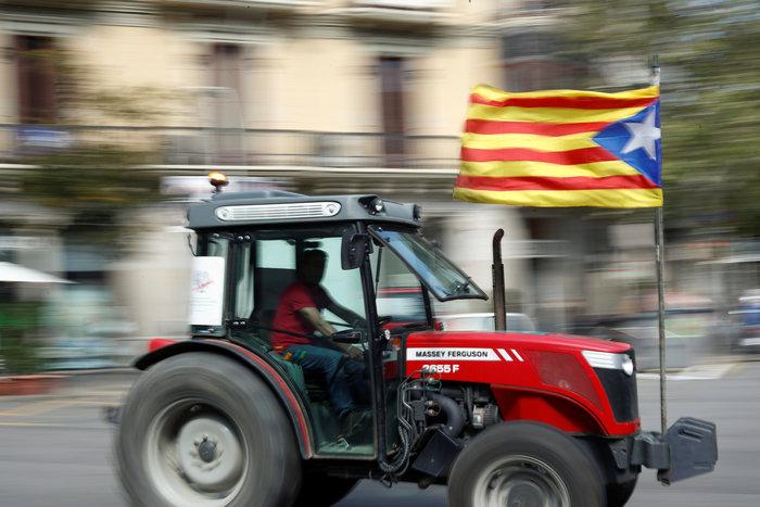 Πρωτοφανής ένταση για το δημοψήφισμα στην Καταλονία - εικόνα 5