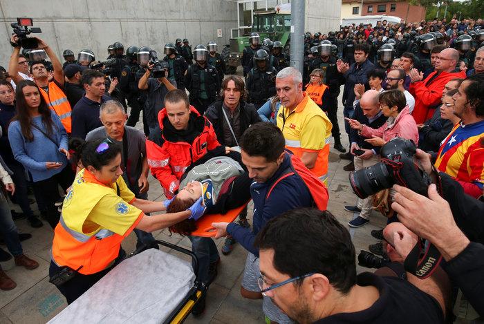 Καρέ καρέ τα βίαια επεισόδια στην Καταλονία για το δημοψήφισμα - εικόνα 5