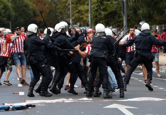 Καταλονία: 90% υπέρ της ανεξαρτησίας - 844 οι τραυματίες - εικόνα 18