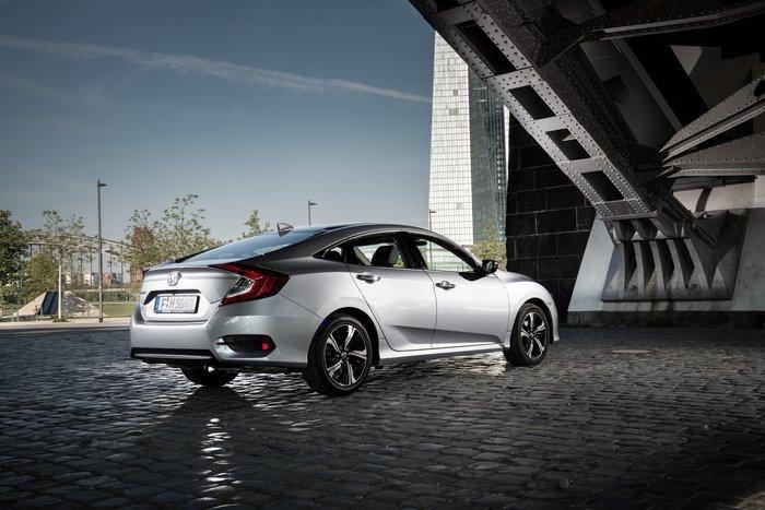 Μπορεί το νέο Honda Civic Sedan να κερδίσει το χαμένο κοινό;