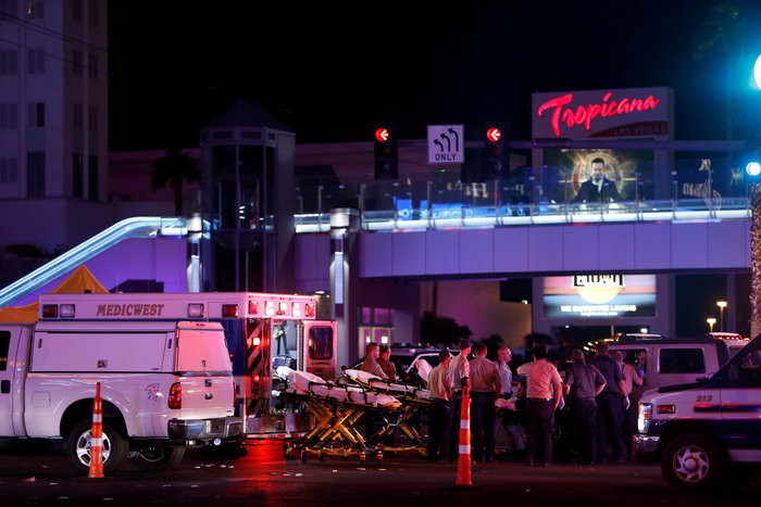 Στους 50 οι νεκροί από το μακελειό στο Λας Βέγκας, 200 τραυματίες - εικόνα 3