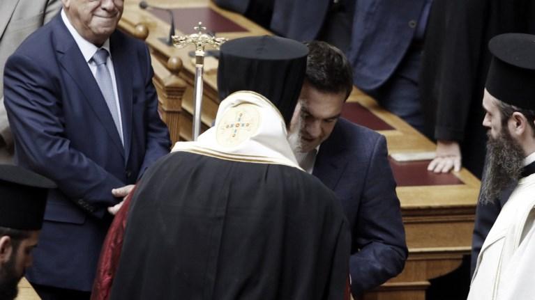 rantebou-tsipra--ierwnumou-gia-na-sbisoun-oi-ieres-fwties