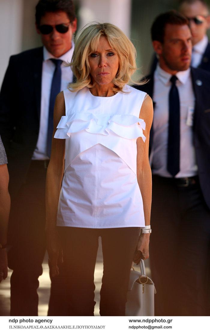 Μπριζίτ Μακρόν: Οργιο με φήμες ότι κοστίζει στους Γάλλους 200.000 € το μήνα