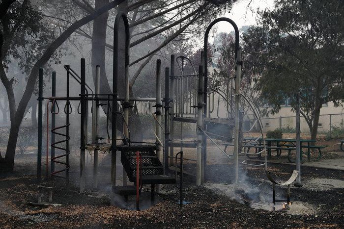 Καλιφόρνια: 15 νεκροί & 150 αγνούμενοι από τις φωτιές