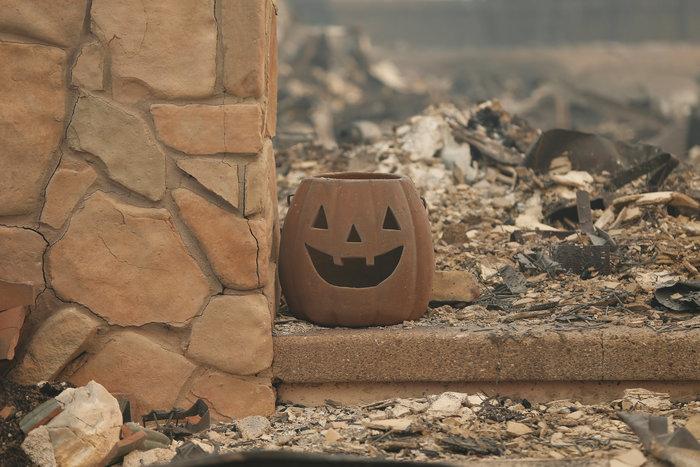 Καλιφόρνια: 15 νεκροί & 150 αγνούμενοι από τις φωτιές - εικόνα 4