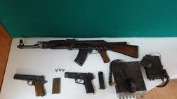 Πιάστηκαν με οπλοστάσιο στην Κρήτη: Καλάσνικοφ, πιστόλια και πυρομαχικά