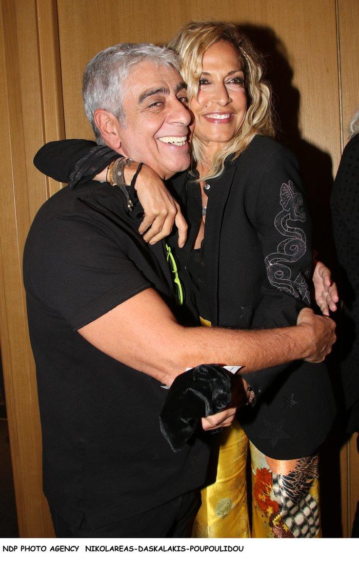 Βίσση - Καρβέλας μαζί στο θέατρο: Το ανατρεπτικό ντύσιμο της τραγουδίστριας - εικόνα 8