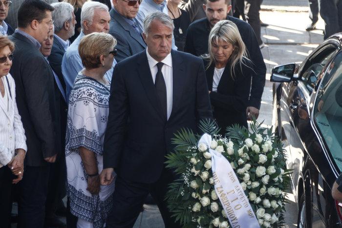 Το τελευταίο αντίο στον ποινικολόγο Μιχάλη Ζαφειρόπουλο - εικόνα 4