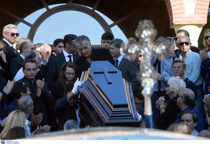 Το τελευταίο αντίο στον ποινικολόγο Μιχάλη Ζαφειρόπουλο - εικόνα 23