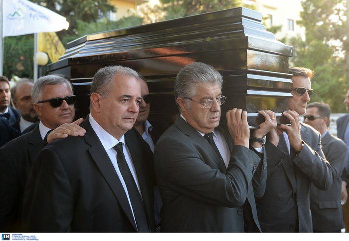 Το τελευταίο αντίο στον ποινικολόγο Μιχάλη Ζαφειρόπουλο - εικόνα 25