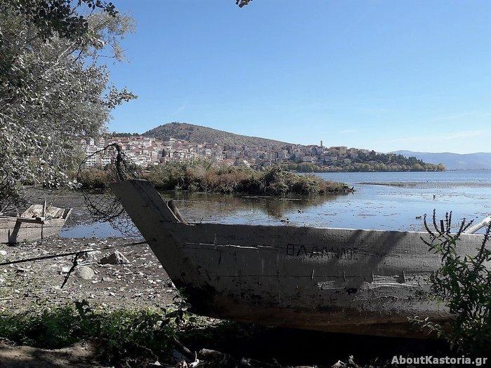 Μετά την Παμβώτιδα «στεγνώνει» και η λίμνη Καστοριάς [φωτό]