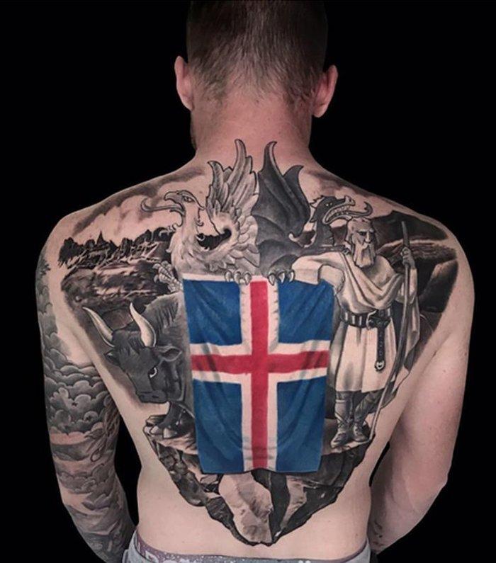 Το τεράστιο τατουάζ του αρχηγού της εθνικής Ισλανδίας