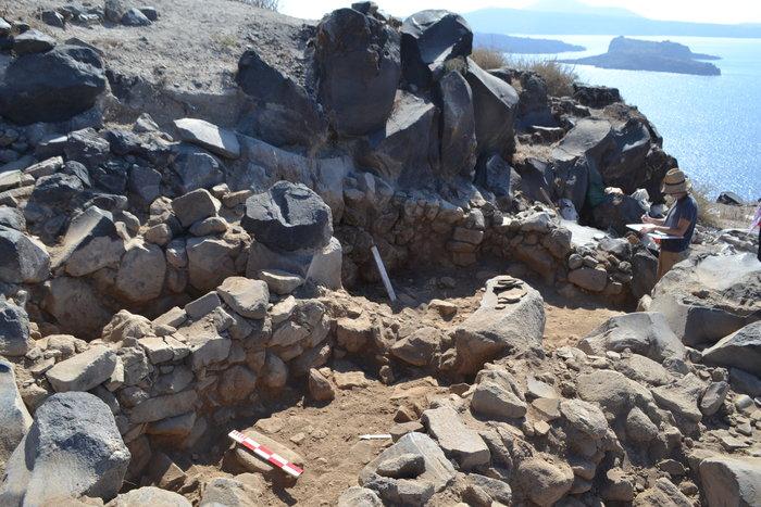 Στο φως προϊστορικός οικισμός στην Kοίμηση Θηρασίας