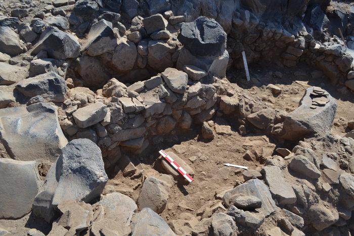 Στο φως προϊστορικός οικισμός στην Kοίμηση Θηρασίας - εικόνα 2
