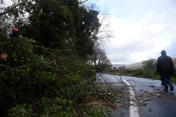 Η Οφηλία σάρωσε την Ιρλανδία-Τρεις νεκροί - εικόνα 7