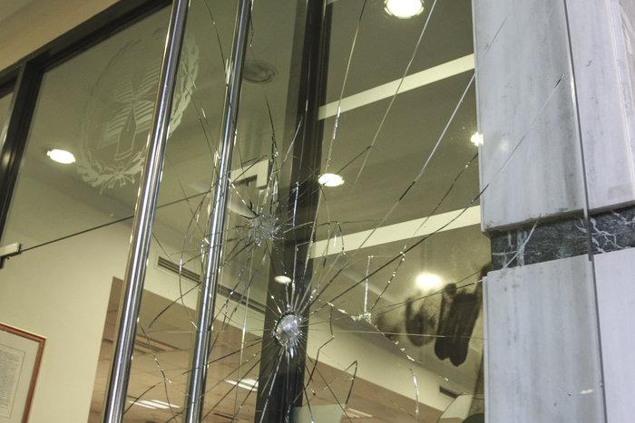 Επίθεση με σφυριά στον Συμβολαιογραφικό Σύλλογο Εφετείου Αθηνών (ΦΩΤΟ) - εικόνα 5
