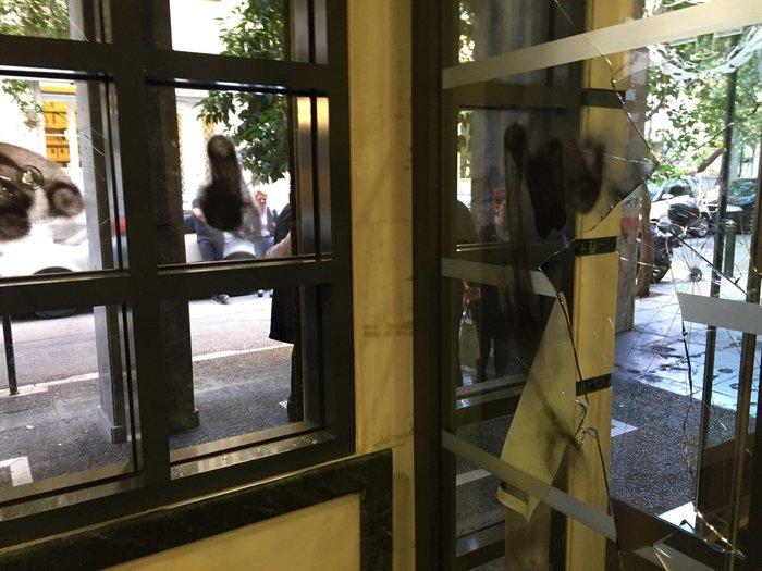Επίθεση με σφυριά στον Συμβολαιογραφικό Σύλλογο Εφετείου Αθηνών (ΦΩΤΟ) - εικόνα 7