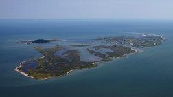Νησί βυθίζεται επειδή οι κάτοικοί του... αρνούνται την κλιματική αλλαγή