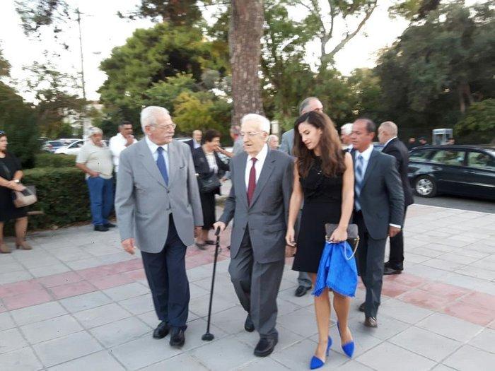 Εντυπωσιακή η κόρη του Χρήστου Σαρτζετάκη – Τον συνόδευσε στα Χανιά - εικόνα 2