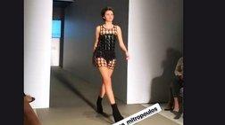 Η 16χρονη κόρη της Βάνας Μπάρμπα στην πασαρέλα ως επαγγελματίας μοντέλο