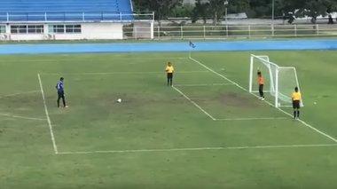 panigurize-gia-to-xameno-penalti-alla-i-mpala-gurise-kai-mpike-gkol-vid