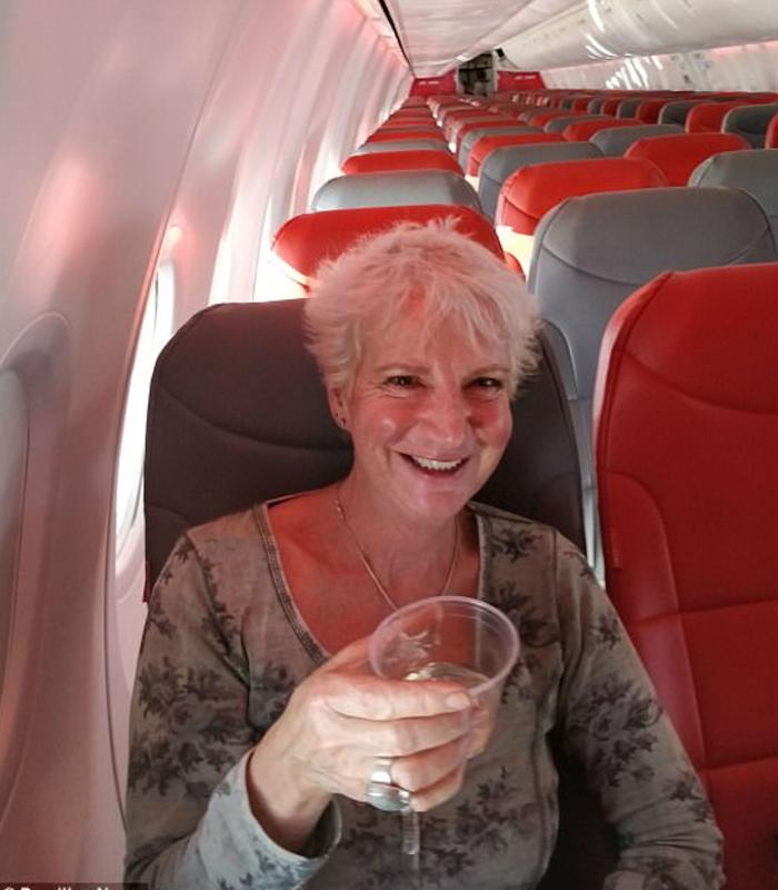 Γλασκώβη-Κρήτη με 52 ευρώ και το αεροπλάνο για πάρτη της