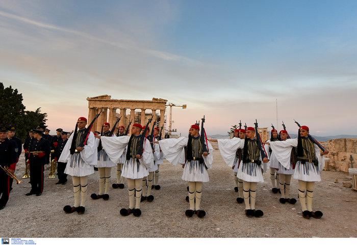 Η μεγάλη παρέλαση για την επέτειο του «ΟΧΙ» σε φωτογραφίες - εικόνα 12