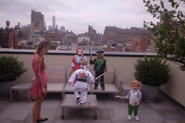 Αννα Βίσση: Βόλτα στη Νέα Υόρκη με την κόρη και τα εγγόνια της (Εικόνες)