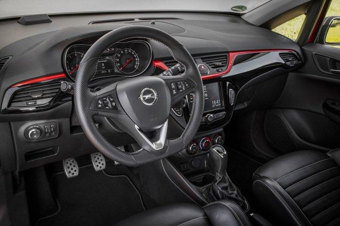Corsa Attraction: Το πιο connected Corsa με 13,750€ και… 100GB