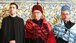 Ο Γιούνκερ ντύθηκε... πορτοκαλί σε εκδήλωση στην Πορτογαλία