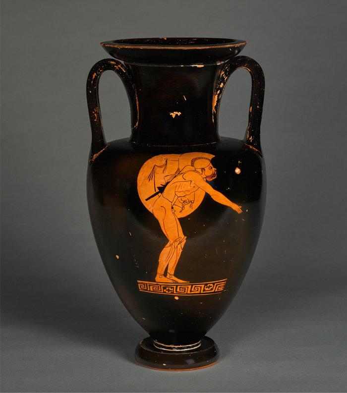 Αττικός ερυθρόμορφος αμφορέας του Ζωγράφου του Βερολίνου. Εικονίζεται αθλητής οπλιτοδρόμος σε στάση εκκίνησης. περ. 470 π.Χ. Παρίσι, Μουσείο Λούβρου (φωτογρ. St. Maréchalle)