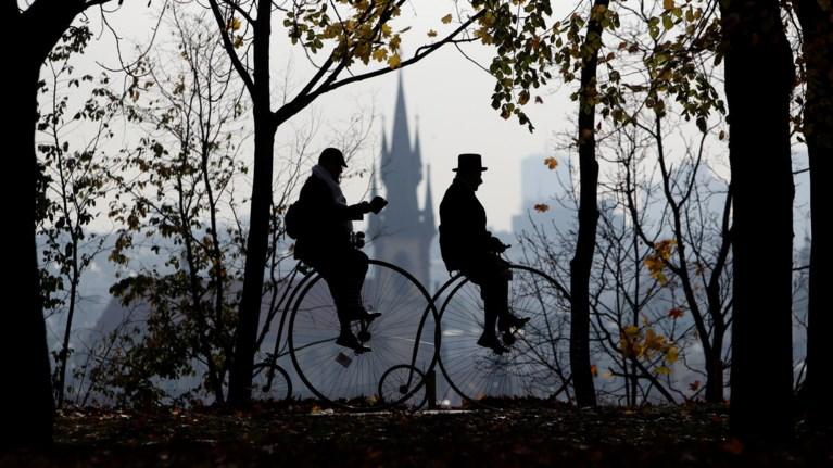Στην Πράγα ο 23ος αγώνας με ποδήλατα... αντίκες