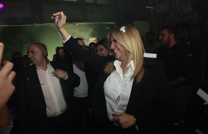 Φώφη Γεννηματά: Οι selfies και τα χαμόγελα στο club Socialista στο Γκάζι - εικόνα 3