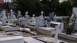Απίστευτες καταστροφές στο νεκροταφείο Λευκίμμης από ανεμοστρόβιλο [φωτο]