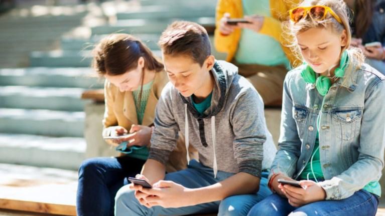 oi-millennials-einai-se-xeiroteri-thesi-apo-tous-goneis-tous