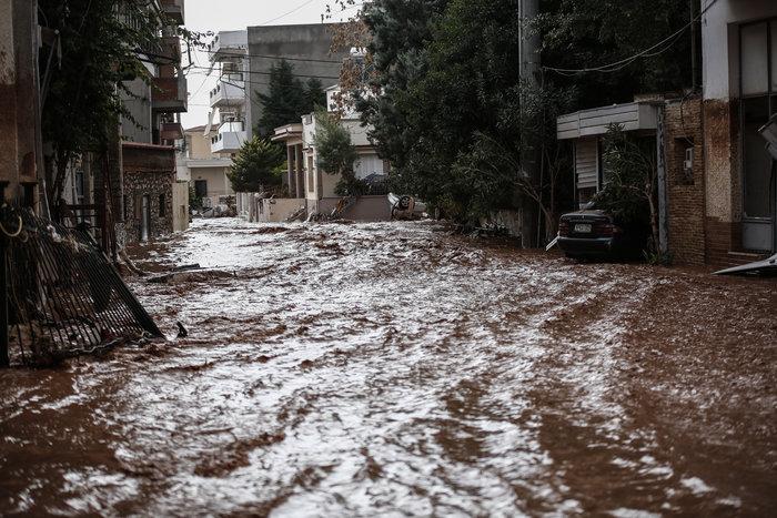 Επτά οι νεκροί στη Μάνδρα - Συνεχίζονται οι απεγκλωβισμοί - εικόνα 21