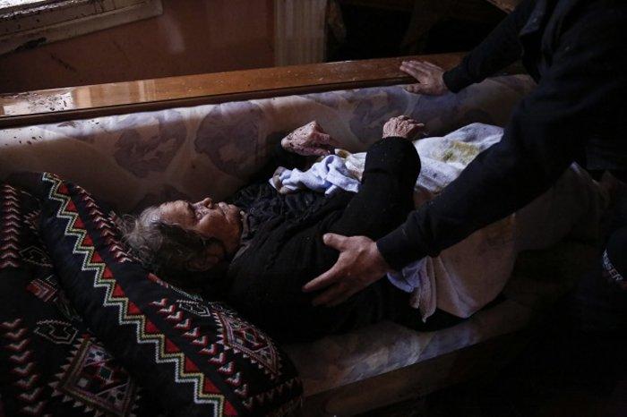 Επτά οι νεκροί στη Μάνδρα - Συνεχίζονται οι απεγκλωβισμοί - εικόνα 6