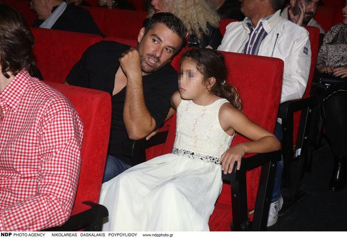 Η κόρη των Αϊβάζη - Κορινθίου έγινε 9 ετών - Στο θέατρο με τον μπαμπά της