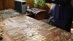 Ο εκτιμητής της ΕΛΑΣ έκλεβε! Αντικαθιστούσε κοσμήματα με ψεύτικα