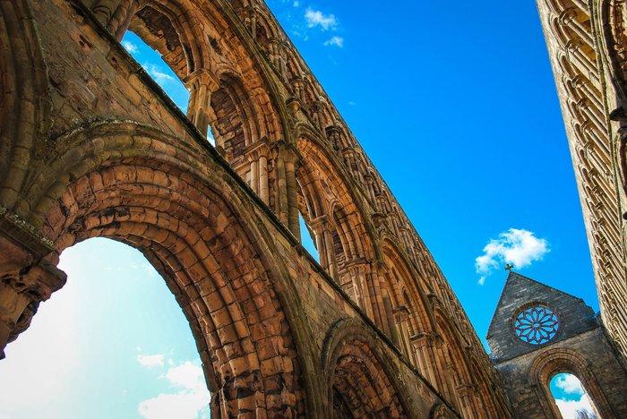 Jenna Johnston – Μοναστήρι Γιεντμπουργκ, Σκωτία. (Εικόνα που πήρε τιο βραβείο Κοινού)