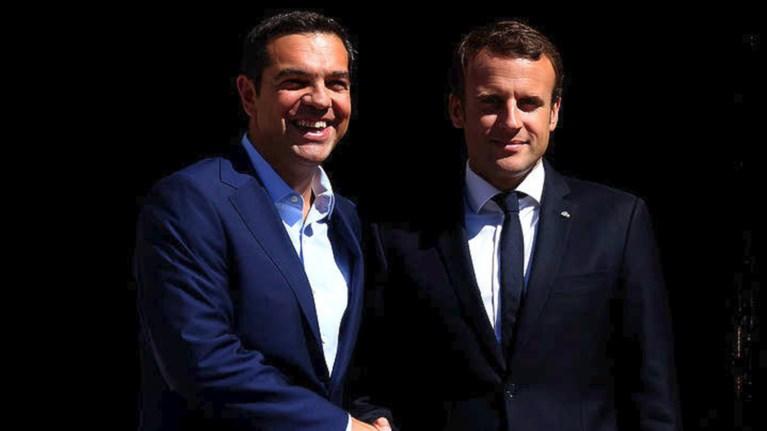 sto-parisi-o-tsipras-brabeio-kai-sunantisi-me-makron---olo-to-programma