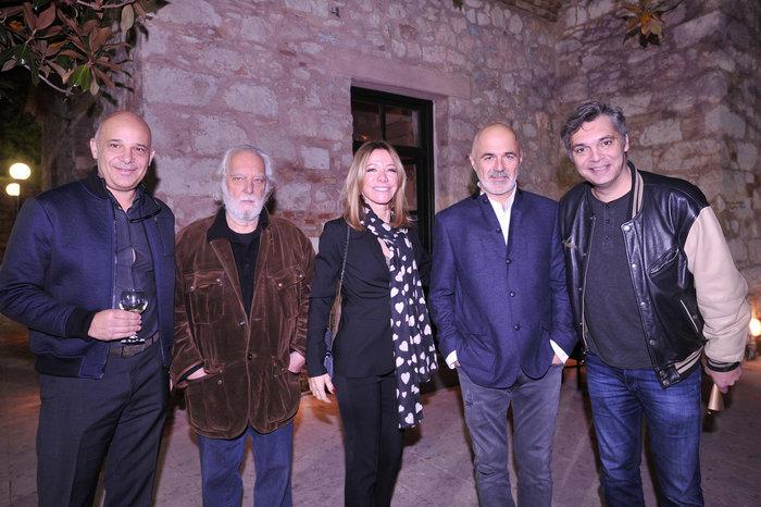 (Από αριστερά) Δημήτρης Αφεντούλης, Διονύσης Φωτόπουλος, Μαριάννα Λάτση, Στάθης Λιβαθινός, Αλκης Κούρκουλος