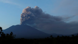 Συναγερμός για το ηφαίστειο στο Μπαλί-Ελληνες εγκλωβισμένοι