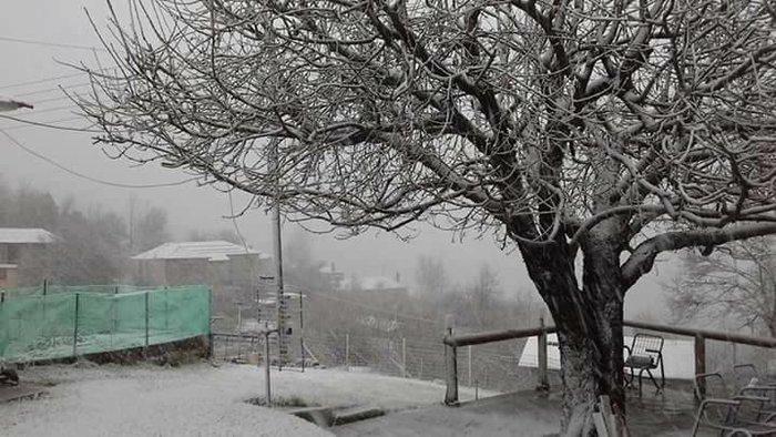 Στα λευκά «ντύθηκαν» τα ορεινά χωριά της Ηπείρου