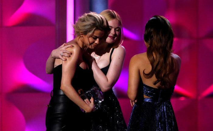 Τα δάκρυα της Σελένα Γκόμεζ επί σκηνής για το δώρο ζωής της κολλητής της